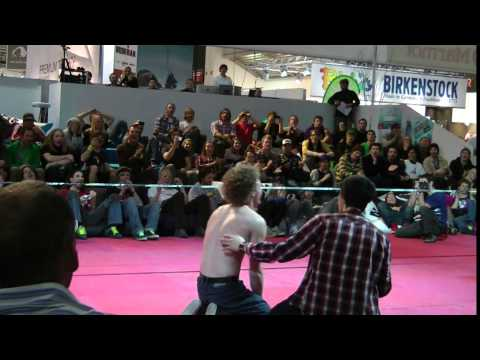 YouTube – Gibbon @ ISPO 2011 – Official Video – Slackline Family