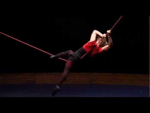 スラックロープの素晴らしいの動き-YouTube – Linn Broden slackrope
