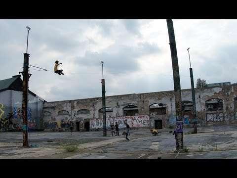 Gappai&yukimimix参加のシティスラッカーズベルリンUrban City Slackers Berlin って動画がすごい