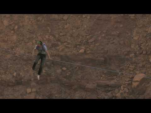 命綱なしのハイライン(リーシュレスハイライン)のドキドキハラハラのハイラインキャッチの動画3本