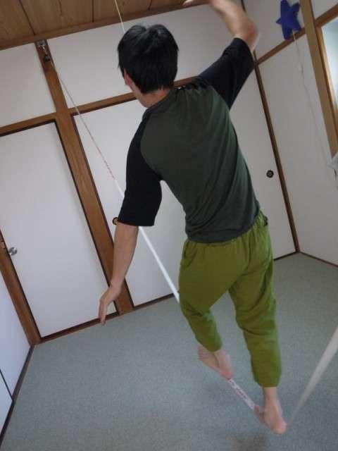 フックを取り付けて室内にロデオライン設置する方法