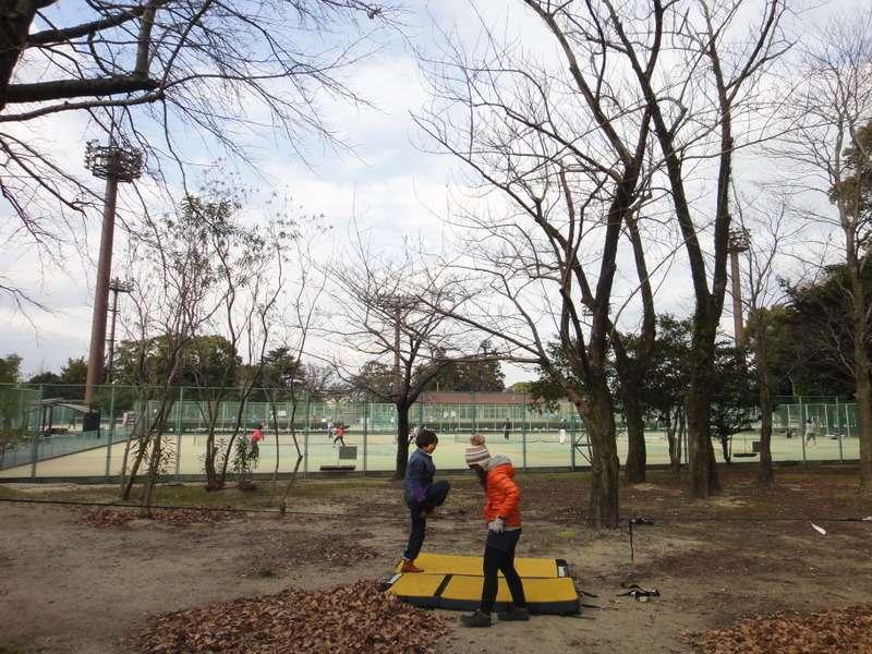 3月9日土曜に春日公園でスラックラインします